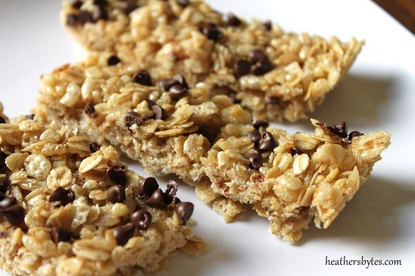 Heather's Bytes » Chewy Chocolate Chip Granola Bars